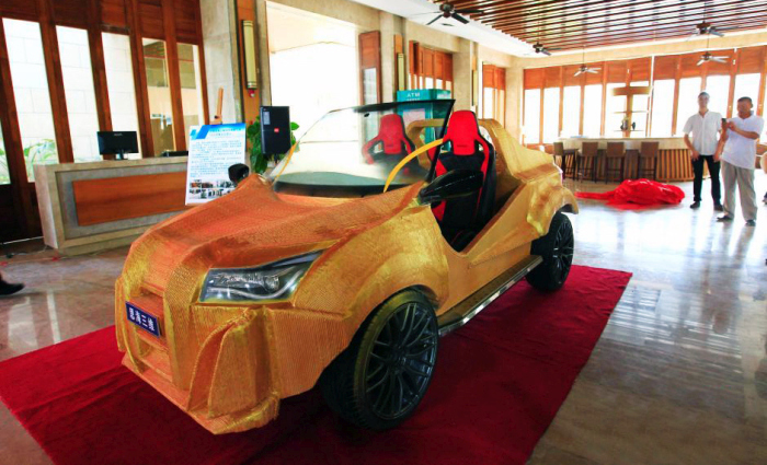 При помощи 3D-принтера китайцы построили электромобиль (5 фото + видео)