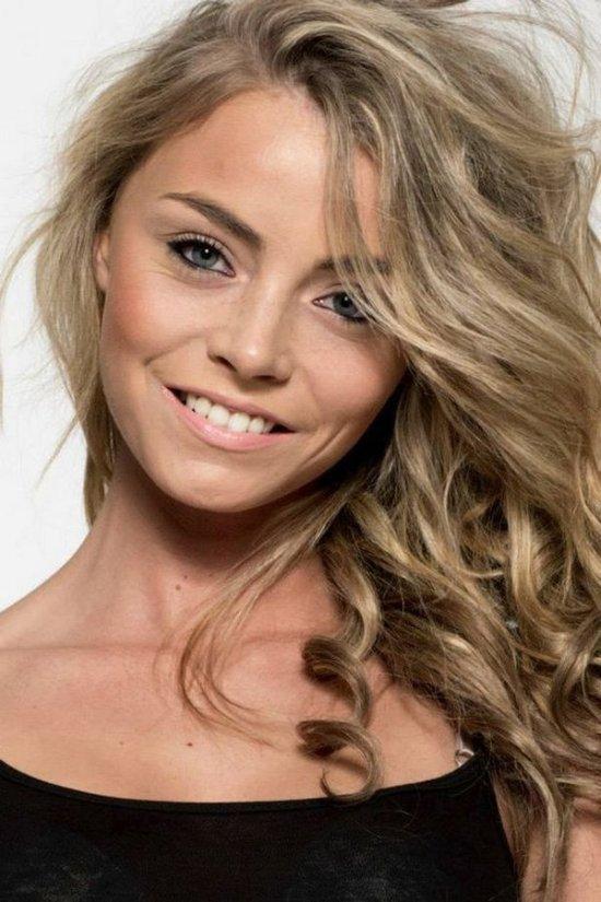 Из анорексичного подростка в участницу конкурса красоты (6 фото)