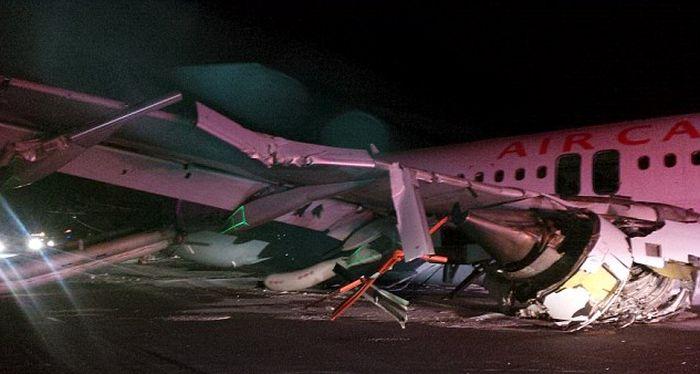 В канадском Галифаксе жесткую посадку совершил авиалайнер Airbus А320 (6 фото)