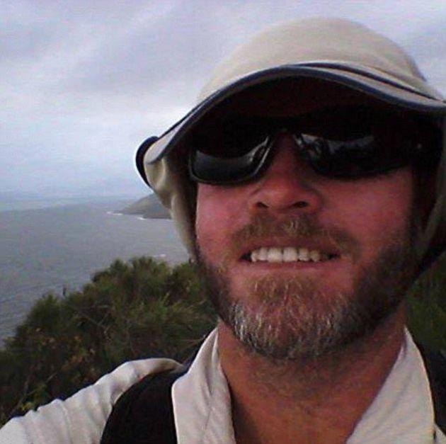 Угрожающе огромный улов австралийского рыбака (3 фото)
