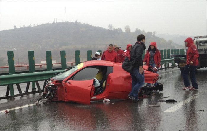 Подборка фотографий с мест происшествия аварий (47 фото)