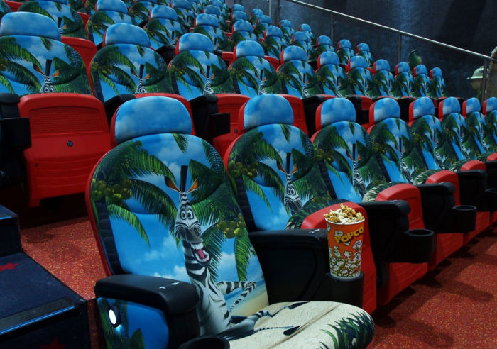 Кинотеатры и театры мира (31 фото)