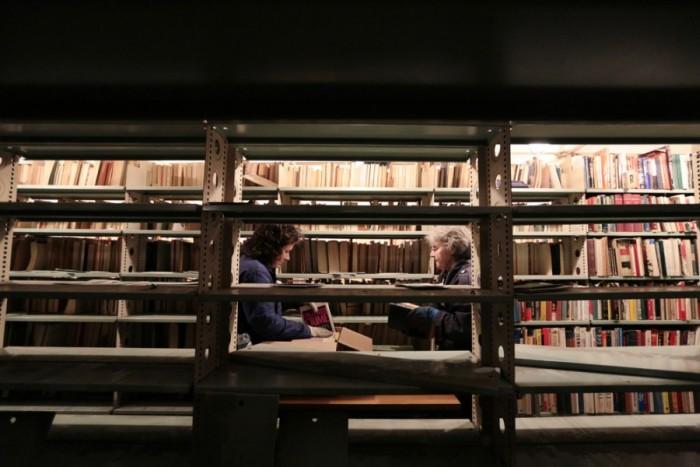Последствия пожара в библиотеке ИНИОН РАН (23 фото)