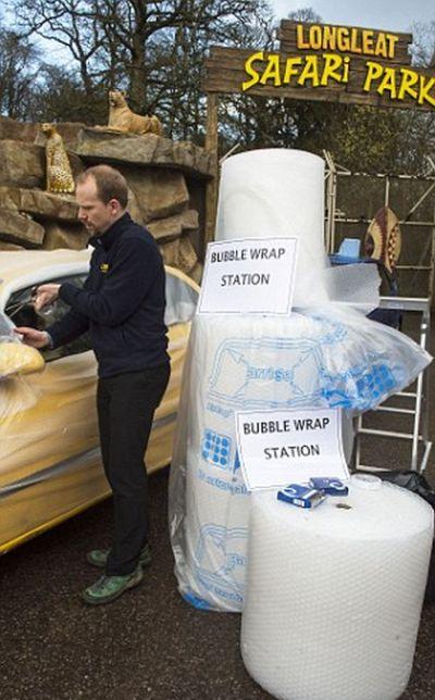 Пузырчатая упаковочная пленка, как средство защиты авто (4 фото)