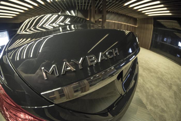 Как получить Maybach из серийного Mercedes-Benz S-Class (9 фото)