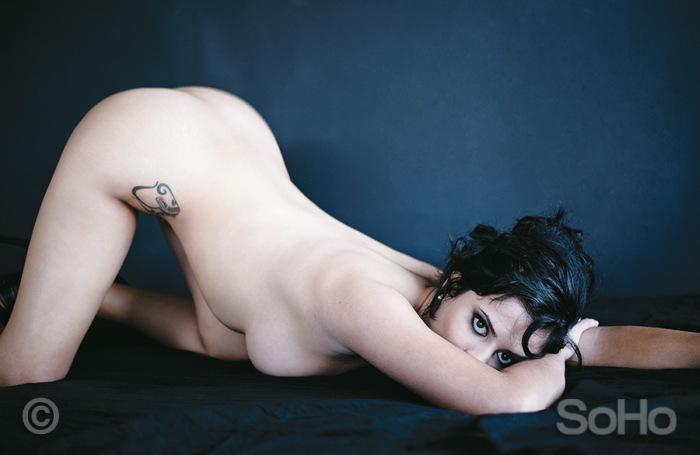 Колумбийская журналистка Алехандра Омана Руис снялась в эротической фотосессии после футбольного пари. НЮ (7 фото)