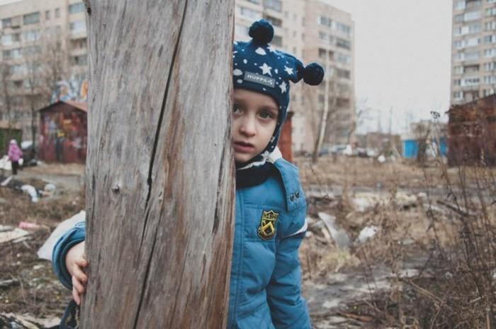 В Санкт-Петербурге место детской площадки займет храм (16 фото)