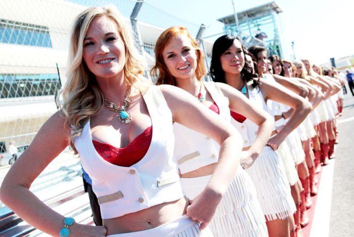 На чемпионате мира по гонкам на выносливость WEC больше не будет грид-герлз (23 фото)