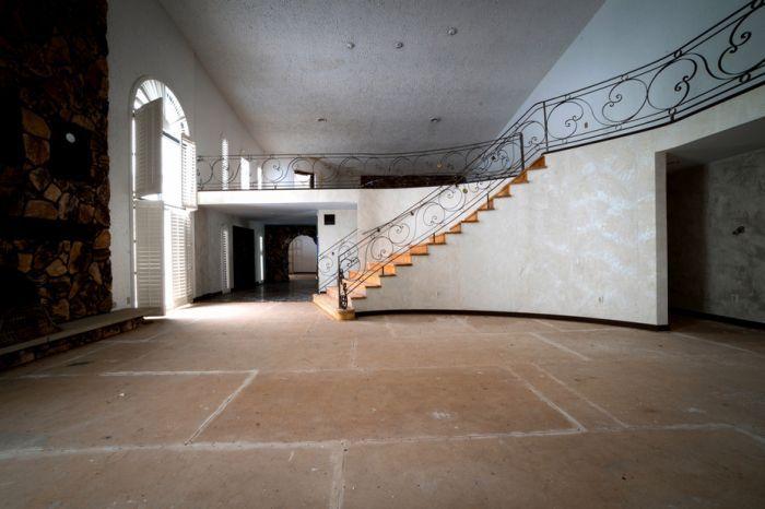 Бывший особняк Майка Тайсона собираются превратить в церковь (29 фото)