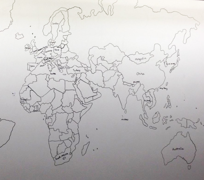 11-летний мальчик-аутист нарисовал по памяти подробную карту мира (4 фото)