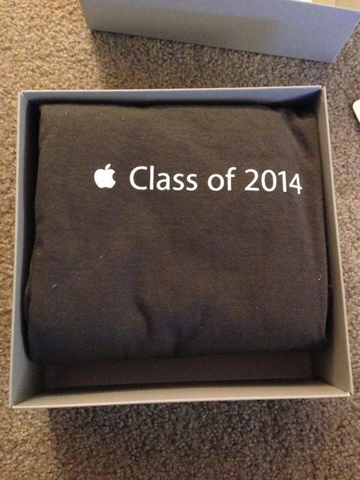 В каких условиях трудятся стажеры Apple (18 фото)