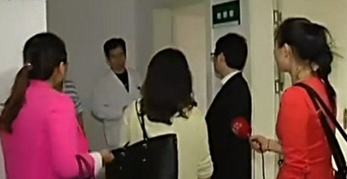 В Китае разоблачили ловеласа, встречавшегося одновременно с 17-ю девушками (2 фото)