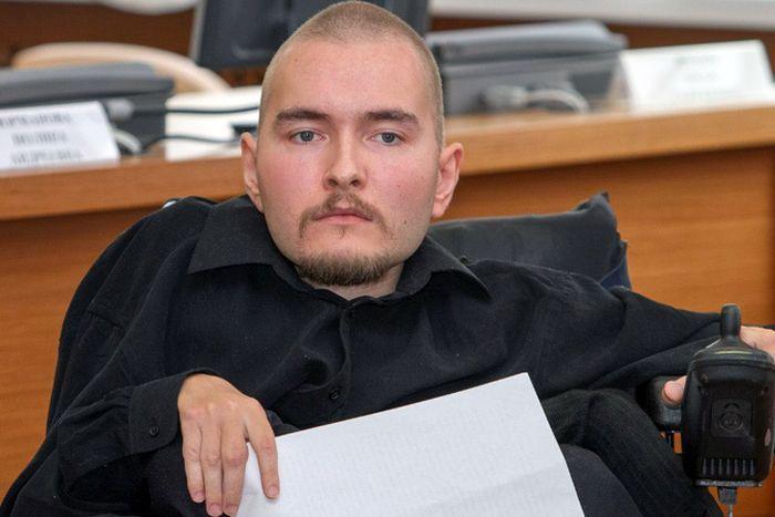 Житель Владимира Валерий Спиридонов согласился на первую в мире операцию по пересадке головы (4 фото)