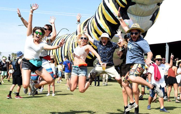 В Калифорнии проходит ежегодный фестиваль музыки Коачелла-2015 (40 фото)