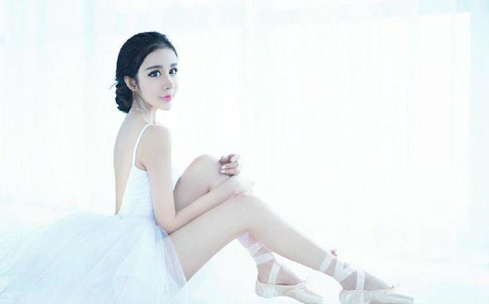 15-летняя китаянка стала звездой интернета после пластической операции (11 фото)