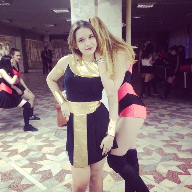 Оренбургские «пчелки» протестуют против закрытия школы танцев (6 фото)