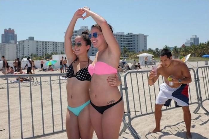 Отдых американских студентов на пляже Майами (30 фото)