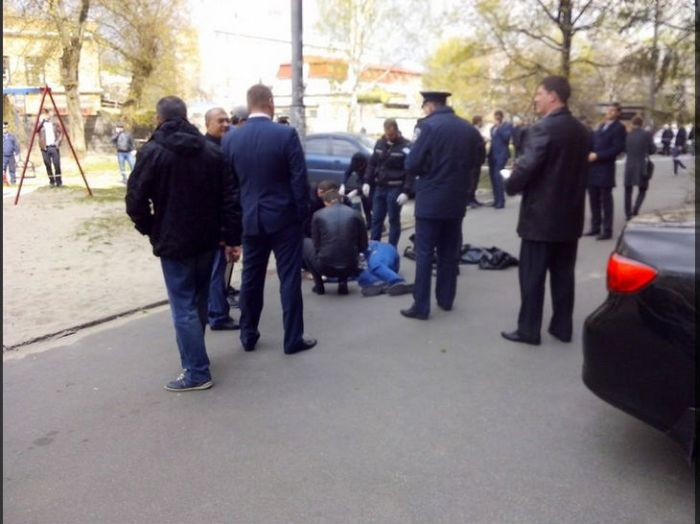 В Киеве убит оппозиционный журналист Олесь Бузина (6 фото)