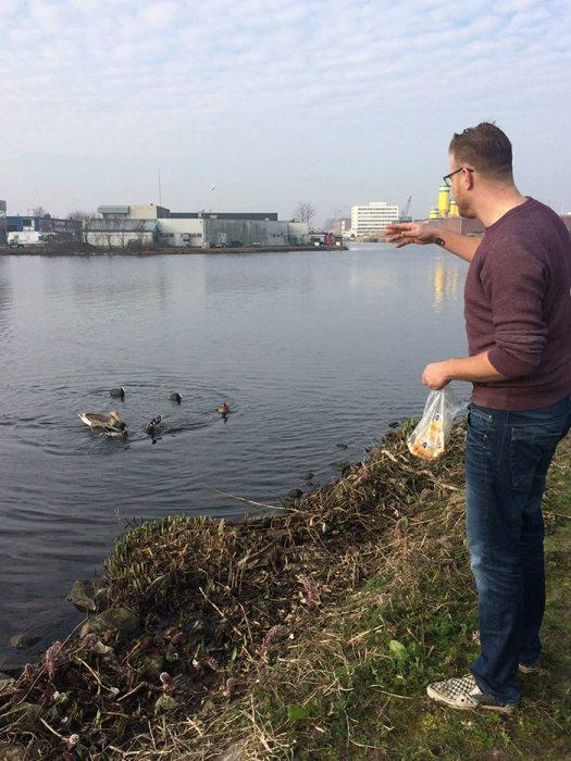 Парень из Голландии подал отличный пример для остальных жителей своего города (19 фото)