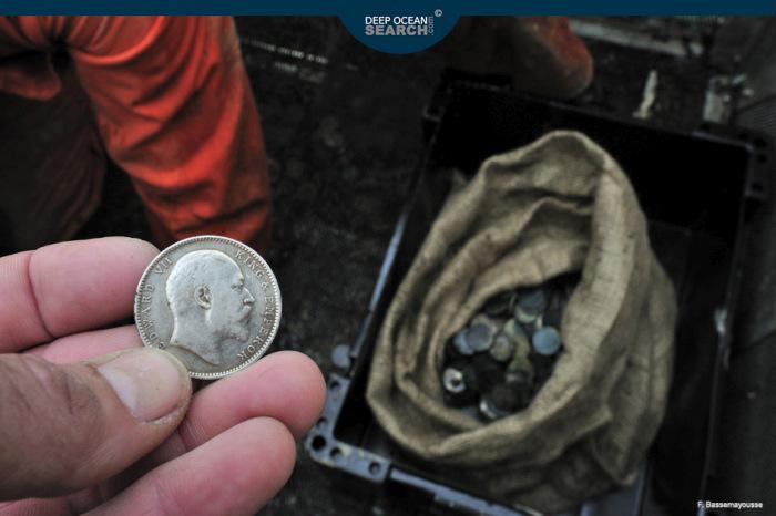 Казначейство Великобритании получило ценный груз, спустя 70 лет после отправки (25 фото)