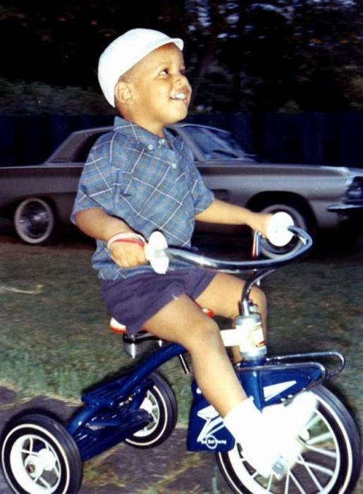 Знаменитости в детстве и юности (21 фото)