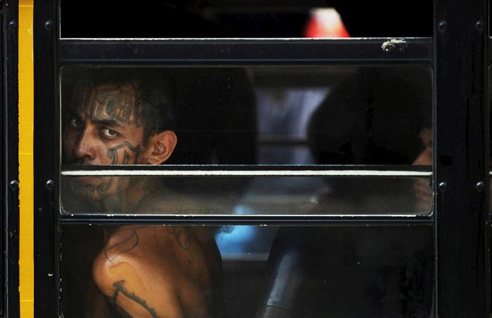 В Сальвадоре появилась отдельная тюрьма для головорезов (22 фото)