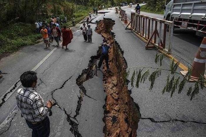Непал потрясло страшное землетрясение (20 фото)