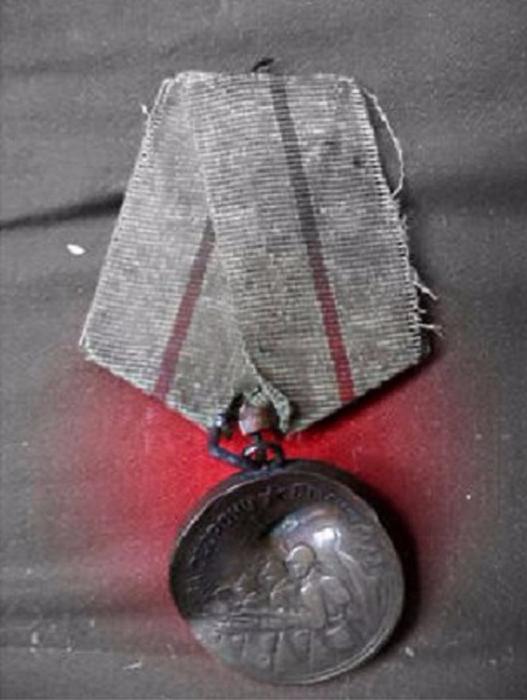 Медали и ордена героев (16 фото)