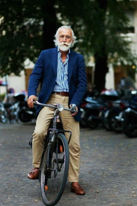 Мужчины, которым возраст нипочем (21 фото)