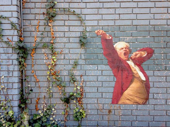 Стрит-арт: персонажи известных картин на стенах (14 фото)