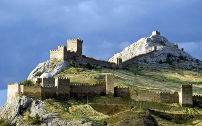 Достопримечательности Крыма, которые следует посетить в первую очередь (10 фото)