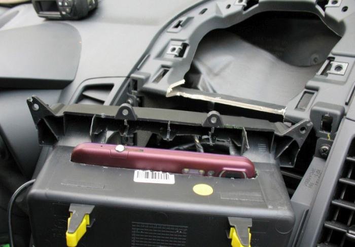 Самодельный навигатор в бюджетном кроссовере (13 фото)