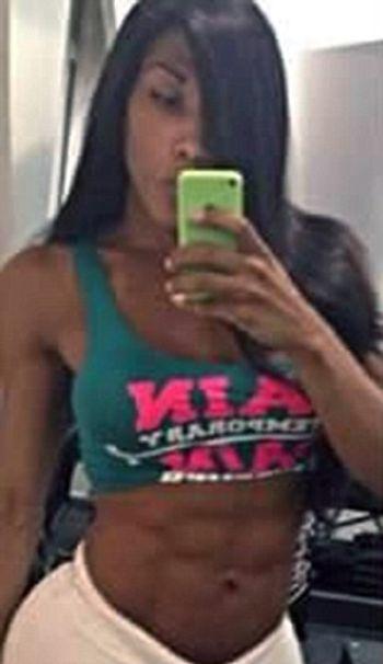 Бразильские полицейские посадили женщину-трансекссуала в мужскую тюрьму и избили на глазах заключенных (9 фото)