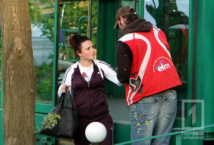 В Одессе девушка «угнала» кабинку фуникулера (6 фото + видео)