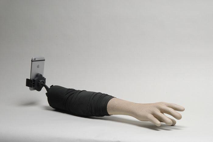 Штатив монопод для селфи в форме человеческой руки (5 фото)