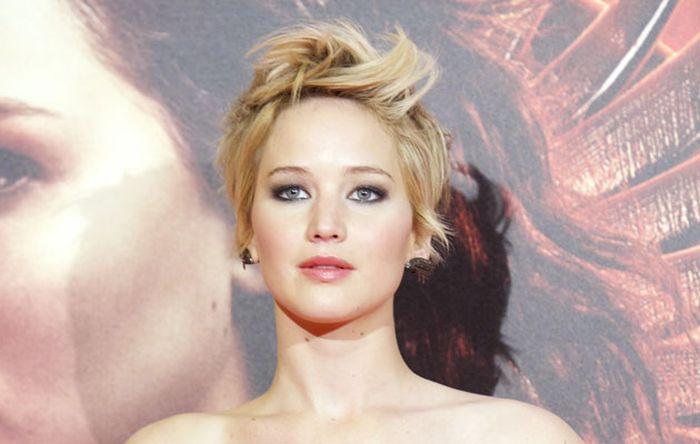 Топ-10 самых сексуальных женщин года по версии читателей американского журнала FHM (16 фото)
