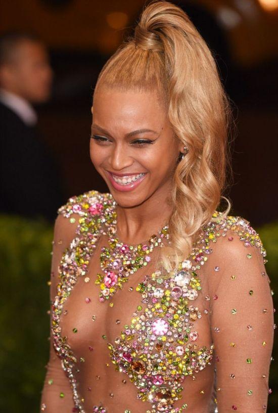 Певица Бейонсе надела соблазнительное платье на бал Met Gala (14 фото)