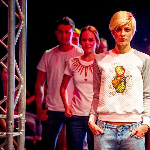 В Москве прошел модный показ «патриотической одежды» (9 фото + 2 видео)
