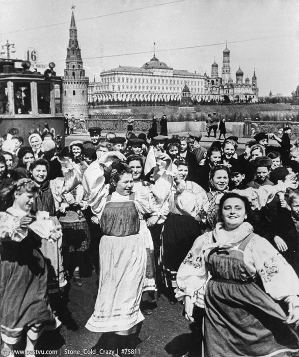 Как проходил первый парад Победы (59 фото)