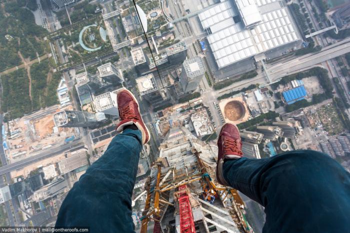 Российские руферы залезли на самую высокую стройку в мире (7 фото + 1 видео)