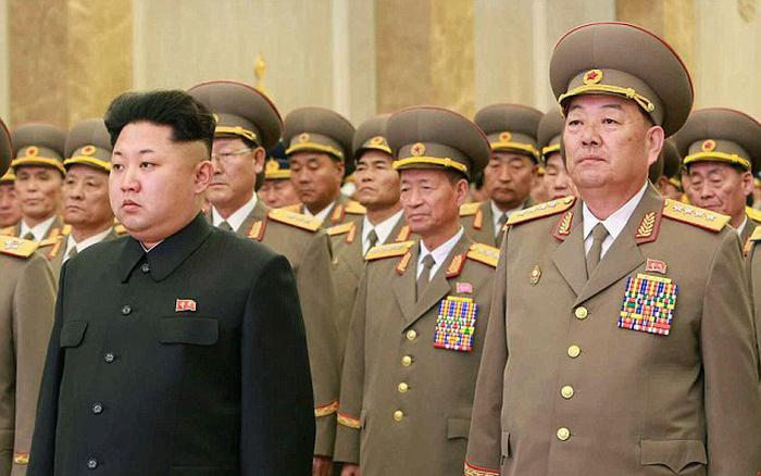 В сети появилась информация о казни министра обороны КНДР, расстрелянного из зенитной пушки (6 фото)