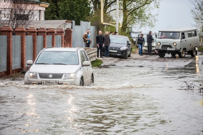 Новосибирск переживает сильнейшее за полвека наводнение (16 фото)