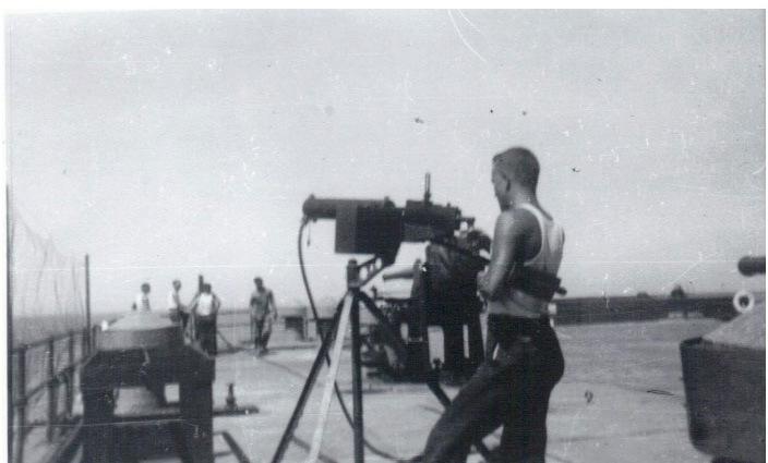 Форт Драм или «непотопляемый линкор» на острове Эль Фрейл (16 фото)