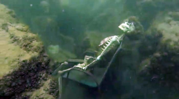 В США найдена необычная подводная арт-инсталляция (4 фото)