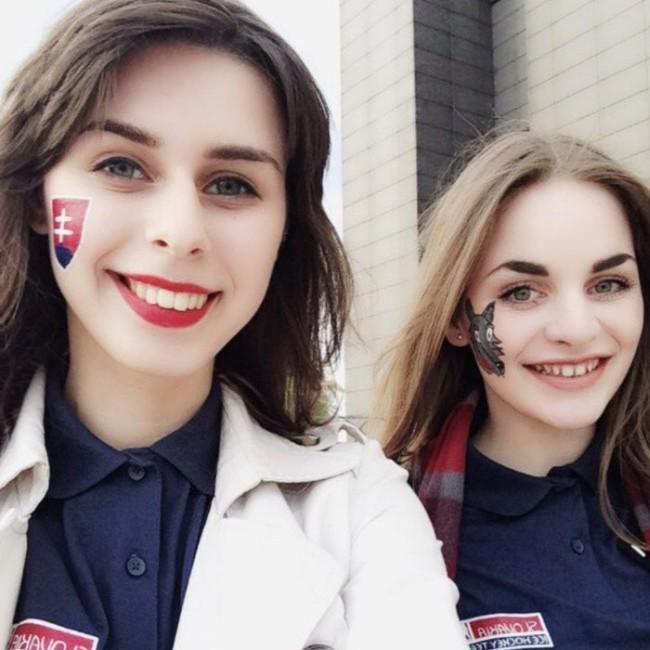 Симпатичные болельщицы на хоккее (34 фото)