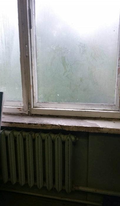 Ужасные условия работы сотрудников «Почты России» (20 фото)