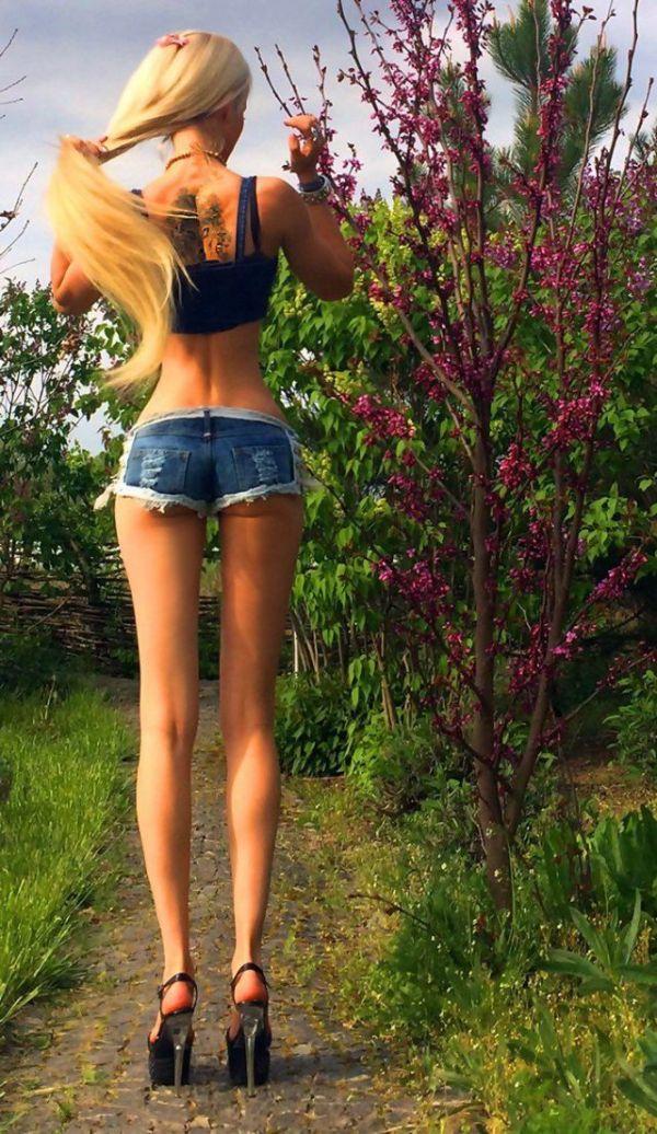 Девушка-барби Валерия Лукьянова в новой фотосессии (17 фото)