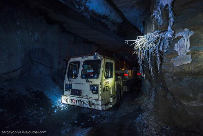 Добыча алмазов в шахте поселка Мирный (58 фото)