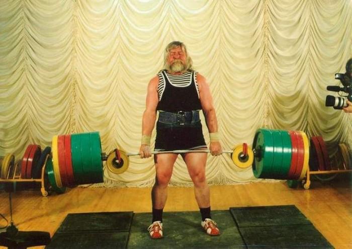 Мужчины, которым удалось сохранить отличную форму даже в преклонном возрасте (10 фото)