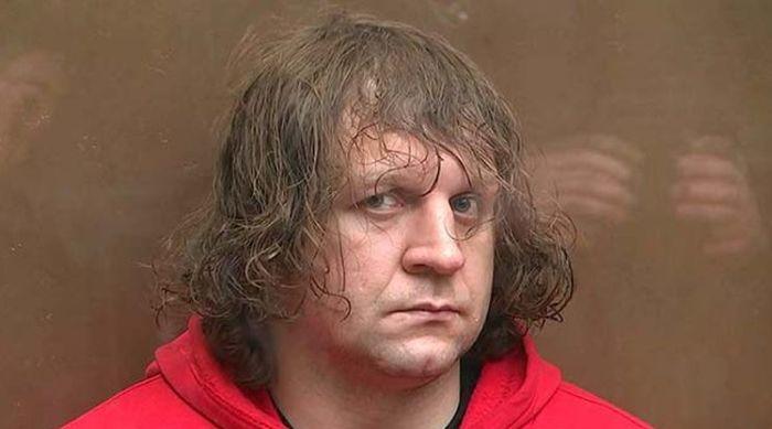 Боец Александр Емельяненко проведет в тюрьме 4,5 года (9 фото)